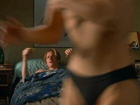 Кэтрин Кинер голая, Элизабет Беркли секси, Бриджит Уилсон голая - Настоящая блондинка (1997) #5