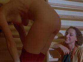 Джилл Клейбёрг голая - Луна (1979)