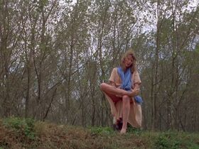 Джилл Клейбёрг голая - Луна (1979) #14