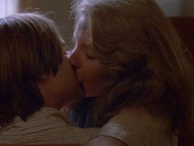 Джилл Клейбёрг голая - Луна (1979) #15