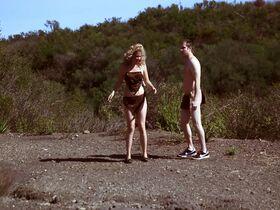 Мадлен Мерритт голая, Кэролайн Д'Амор секси, Келли Донохью секси - Американские идиоты (2013) #10