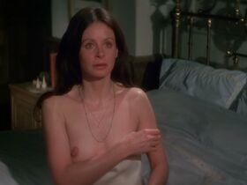 Сара Майлз голая - Моряк, который потерял милость моря (1976) #11