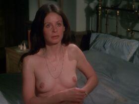 Сара Майлз голая - Моряк, который потерял милость моря (1976) #12