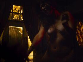 Эрендира Ибарра голая, Daina Soledad Liparoti секси - Черное пламя (2020)