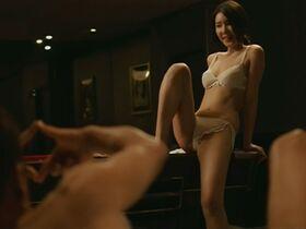 Se-ah Han голая, Yoon Ji-min голая - Тайный роман (2014) #14