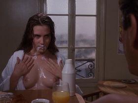 Эмманюэль Сенье голая — Горькая луна (1992)