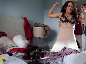 Пола Пэттон секси — Выдача багажа (2013) #3
