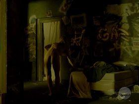 Лора Вандервурт голая — Укушенная s01e02 (2014)