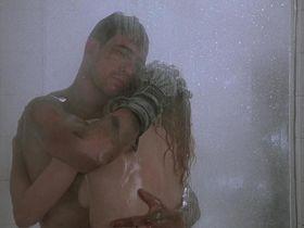 Стэйси Трэвис голая — Железо (1990) #3