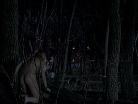 Лора Вандервурт секси, Амбер Калл голая — Укушенная s01e01 (2014)