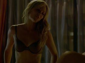 Лора Вандервурт секси, Амбер Калл голая — Укушенная s01e01 (2014) #3