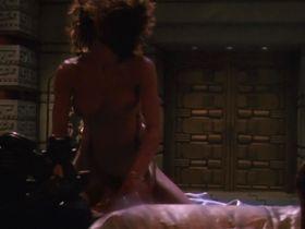 Тери Вейгель голая — Хищник 2 (1990) #3