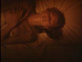 Наоми Уоттс голая — Аморальное поведение (1993)