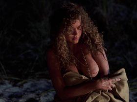 Дебора Рихтер голая — Киборг (1989)
