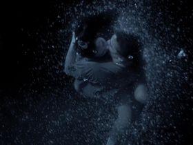 Виржини Ледуайен голая — Пляж (2000) #2