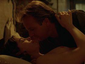 Оливия Уильямс голая — Почтальон (1997) #3