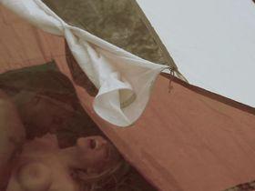Жак Холлэнд голая — Монстры в лесах (2012) #3