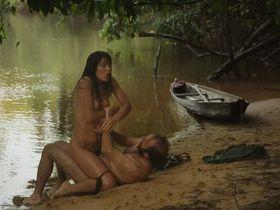 Вимала Понс голая — Закон джунглей (2016)