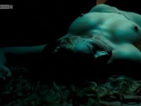 Бриджит Хобмайер голая — Белые лилии (2007) #2