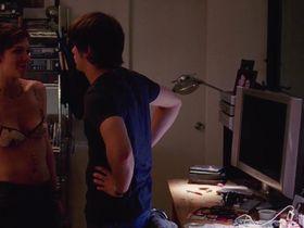 Мэгги Джилленхол голая — Счастливый конец (2005) #2