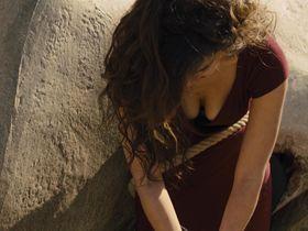 Беренис Марло секси — 007: Координаты «Скайфолл» (2012)