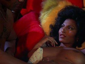Пэм Гриер голая — Бактаун, США (1975)
