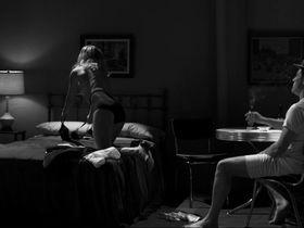 Малин Акерман секси — Отель «Нуар» (2012) #3
