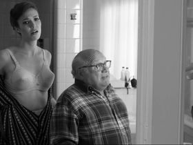 Мэнди Мур секси — Отель «Нуар» (2012)