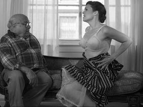 Мэнди Мур секси — Отель «Нуар» (2012) #2