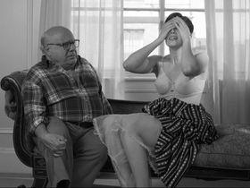 Мэнди Мур секси — Отель «Нуар» (2012) #3