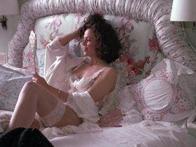 Сигурни Уивер секси — Деловая женщина (1988)