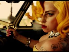 Леди Гага секси — Мачете убивает (2013) #3