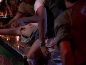 Джоди Фостер голая — Обвиняемые (1988)