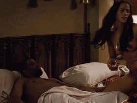 Пола Пэттон голая — Два ствола (2013) #3