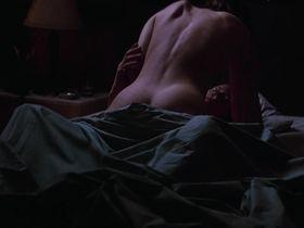 Дженнифер Джейсон Ли голая - Джорджия (1995)